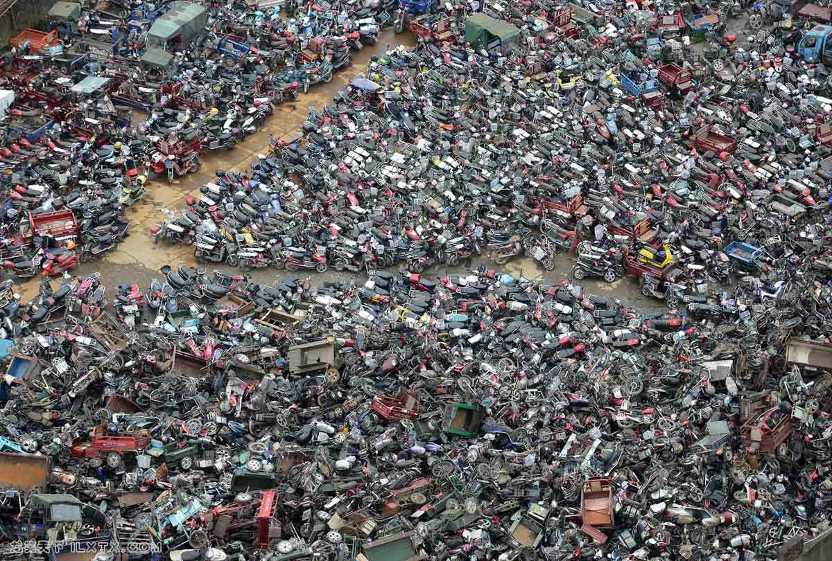 湖南郴州,废弃的摩托车 - 20150609