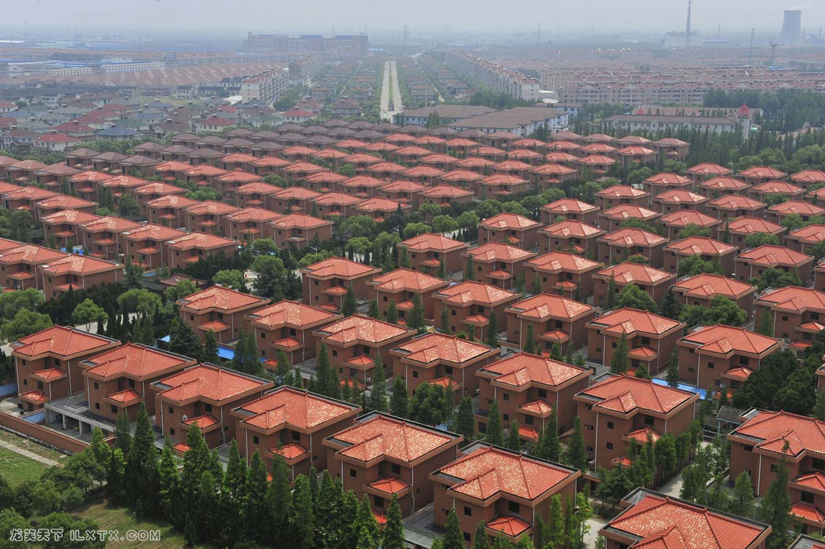 江苏省华西村居民的别墅 - 20100531