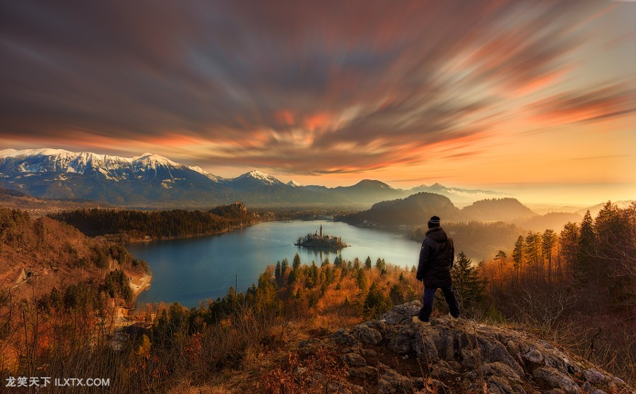 10. Standing on the edge by Arpan Das