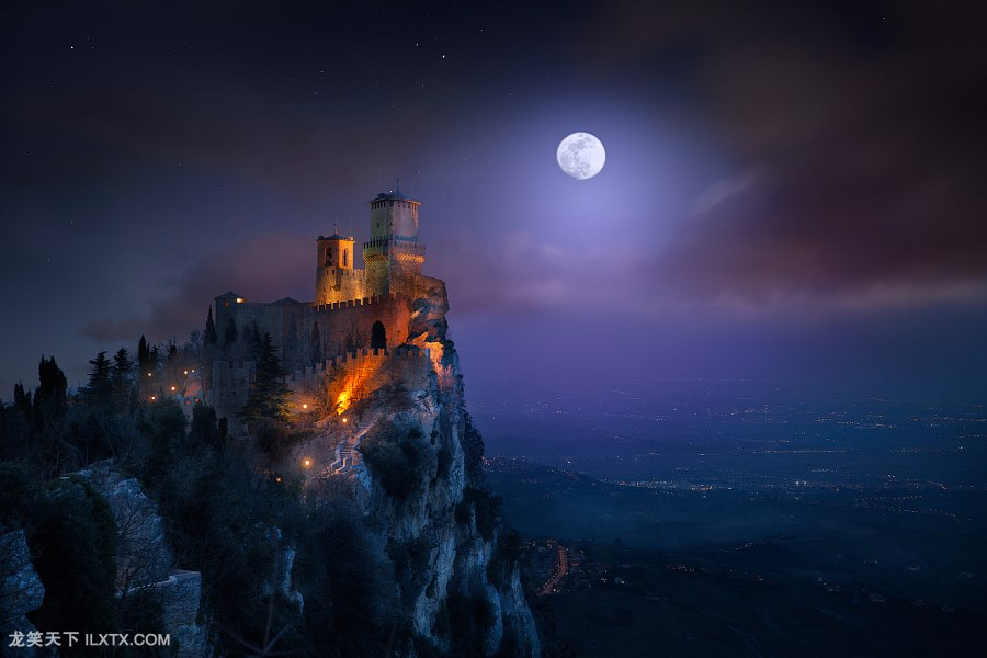 5. One thousand and one nights by Ilhan Eroglu
