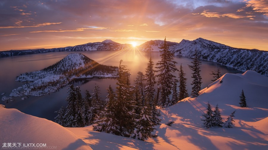 6. Arclight by Alex Noriega