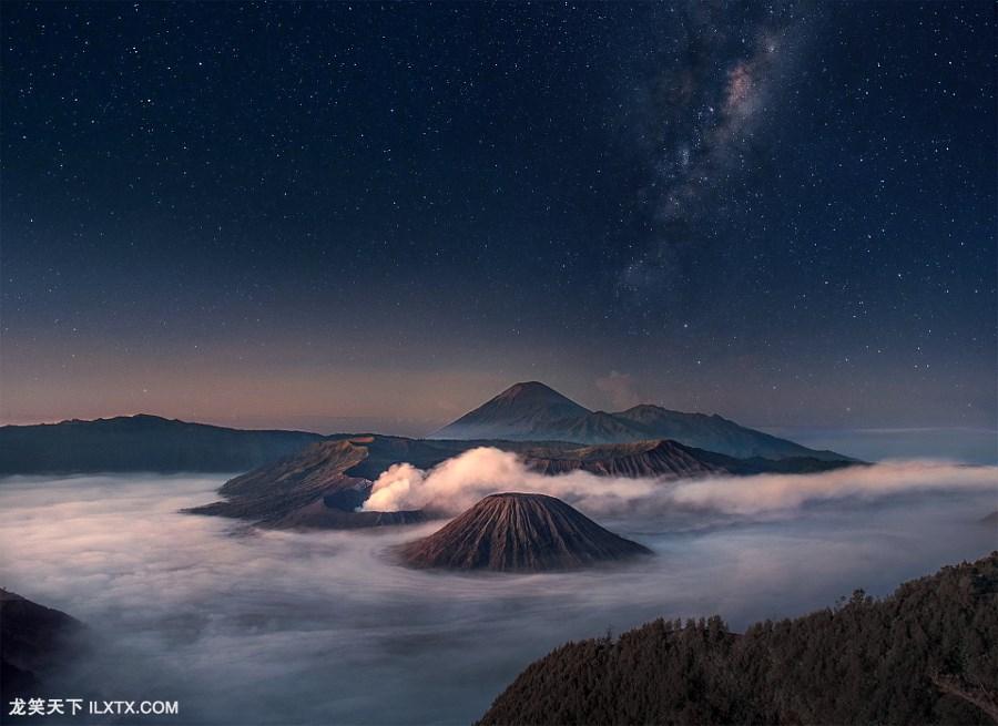 4.Bromo Starry Night by Silentino Natti